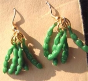 Vintage Green BEANS PEAS-in-a-POD EARRINGS - Gardener Farmer Vegetables Charm Jewelry