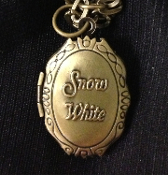SNOW WHITE MIRROR LOCKET NECKLACE Pendant Charm - Disney Character Costume Jewelry - Retro Victorian Antiqued Metal Pewter hinged amulet opens to reveal your photo or lock of hair. ''Mirror, Mirror on the wall. Who is the fairest of them all?''